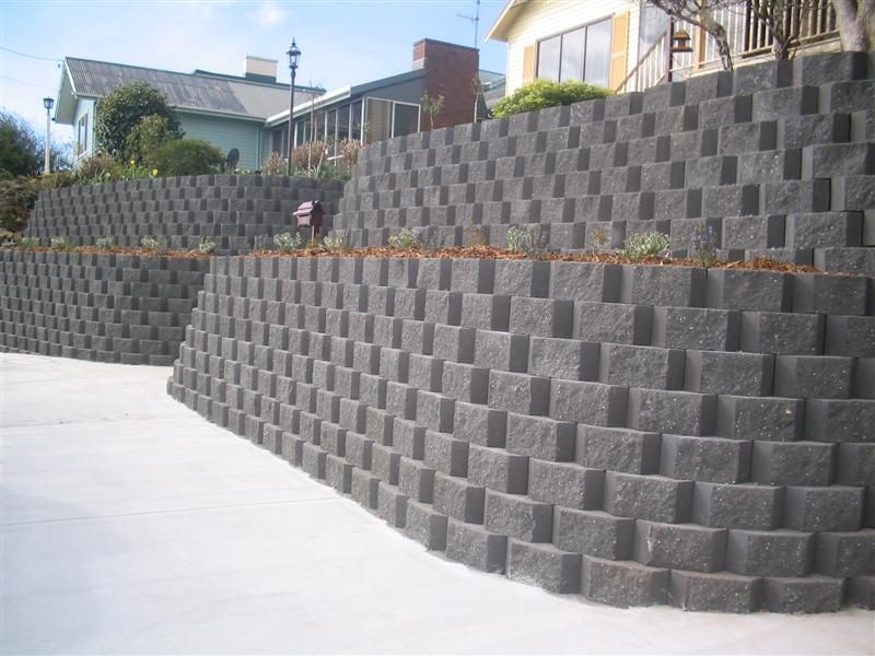 Which Blocks Get Cement When Building A Wall