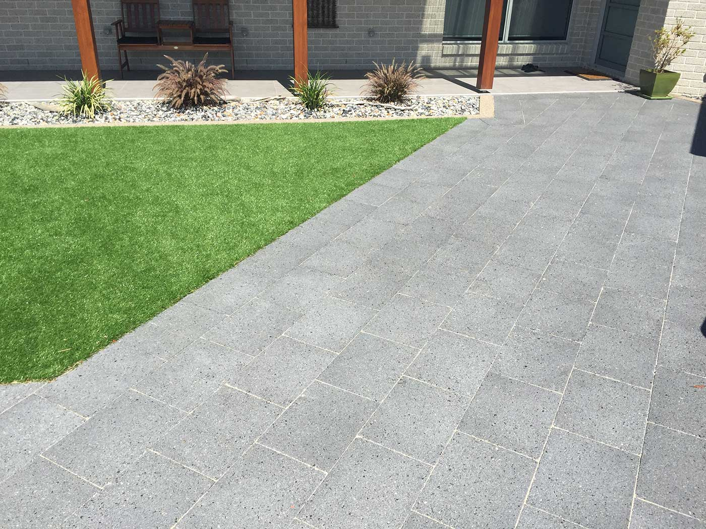 Island block paving exposed aggregate pavers for Paver installation adelaide